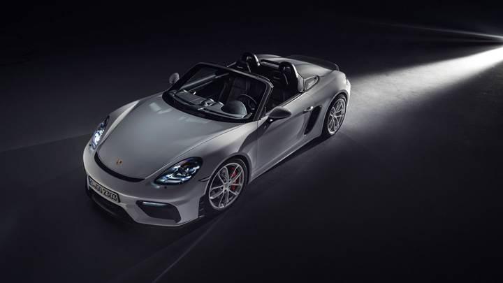 Yeni Porsche 718 Boxster Spyder ve 718 Cayman GT4 tanıtıldı