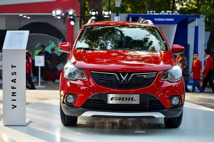 Vietnam'ın yerli otomobili Fadil, 16 bin 900 dolardan satışa sunuldu