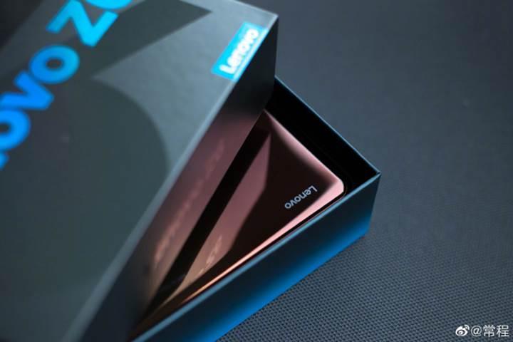 Lenovo Z6'nın bazı özellikleri şirket yöneticisi tarafından açıklandı