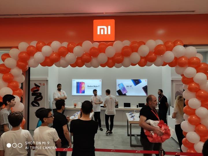 Türkiye'nin dördüncü Mi Store mağazası Marmarapark AVM'de açıldı