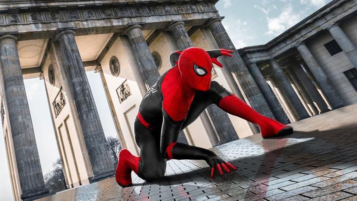 Örümcek-Adam: Evden Uzakta filminin tam versiyonu internete düştü