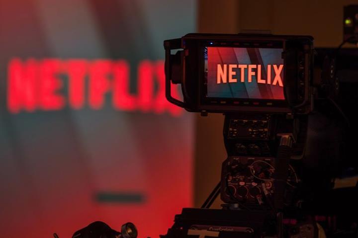 Netflix içeriklerinde sigara özendirme azaltılacak