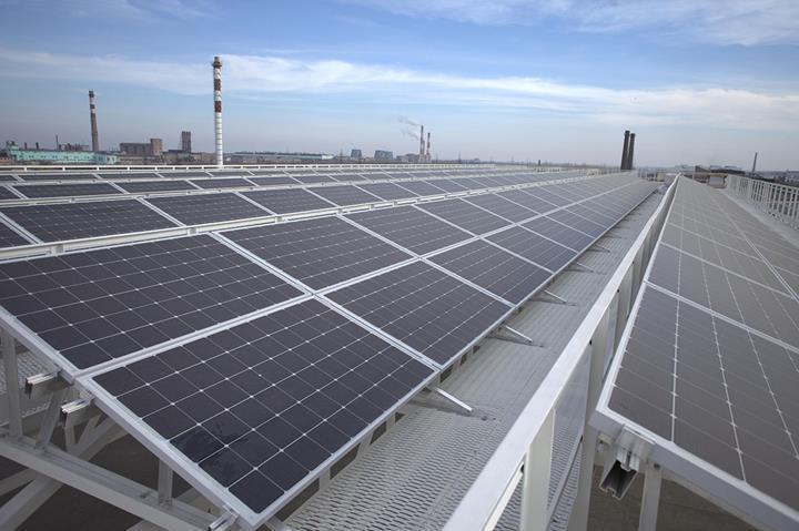 Hindistan, 2019 yılında çatı panelleriyle güneş enerjisi üretiminde rekor değerler elde etti