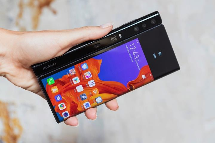5G özellikli Huawei Mate X, TENAA onayı aldı