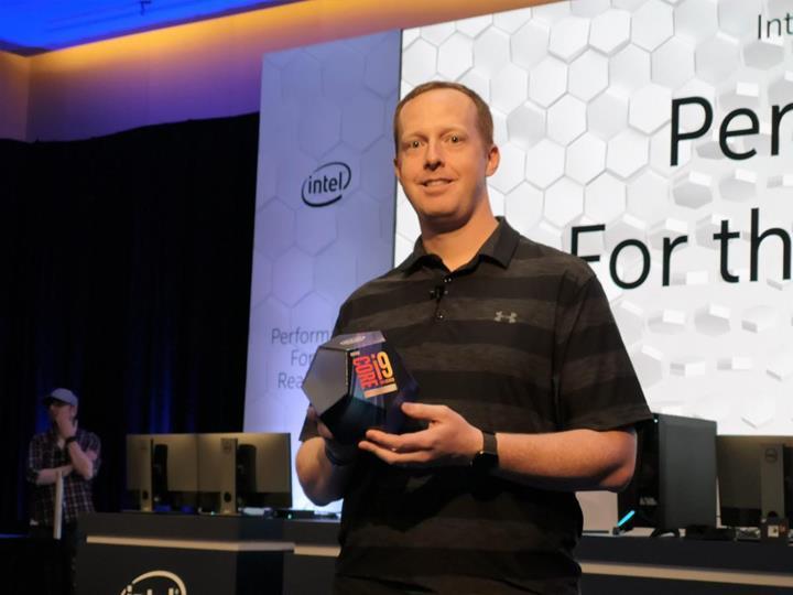 Intel'in tüm çekirdekleriyle 5 GHz'e yükselen yongası 3DMark'ta ortaya çıktı