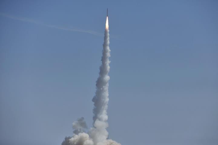 Çinli uzay şirketi, sadece 18 ayda geliştirdiği roketiyle ilk görevine çıktı