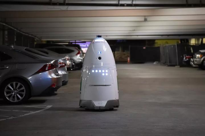 ABD'de saldırıya uğrayan robot kendi gizemini çözebilir