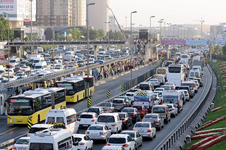 Otomobillerde emisyon değerlerine ilişkin değişiklik Resmi Gazete'de yayınlandı