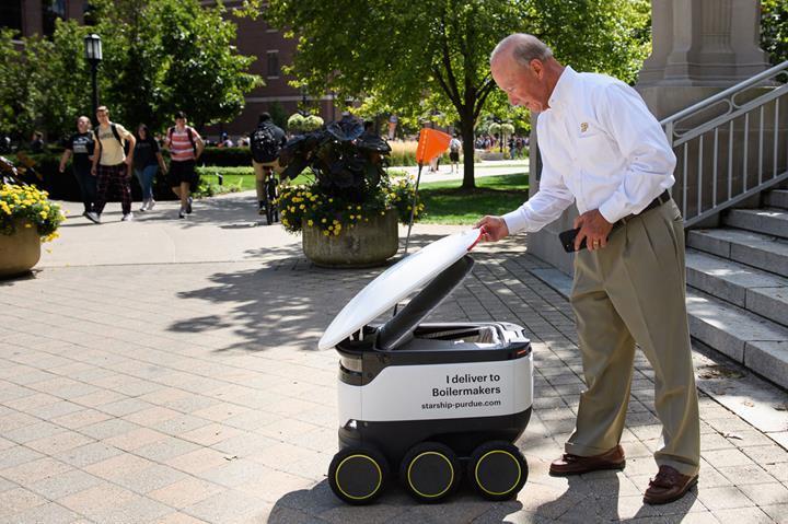 Starship'in teslimat robotları Purdue Üniversitesi'nde hizmete başladı