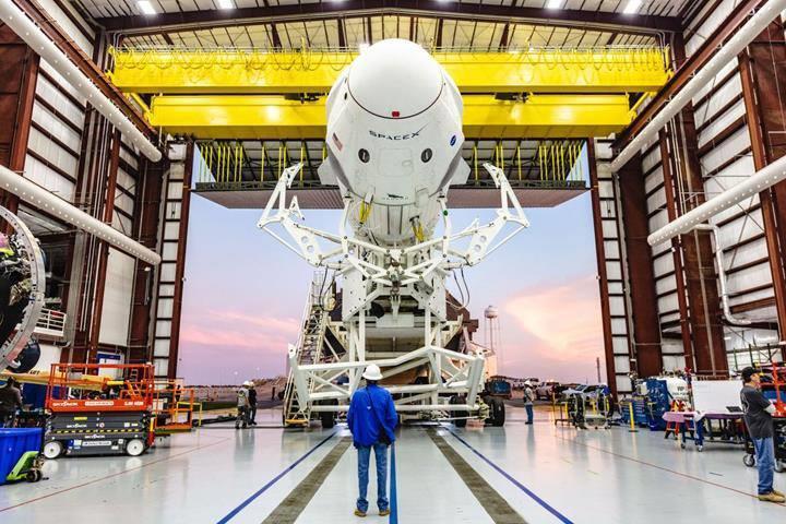 Crew Dragon uzay aracı, 2020 yılında UUİ'na astronot götürebilir