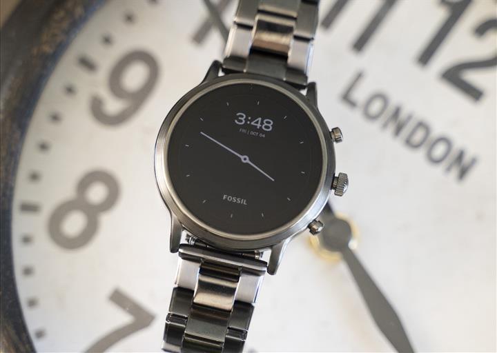 Fossil Gen 5 güncellemesi, saatin iPhone ile arama yapabilen ilk Wear OS cihaz olmasını sağladı