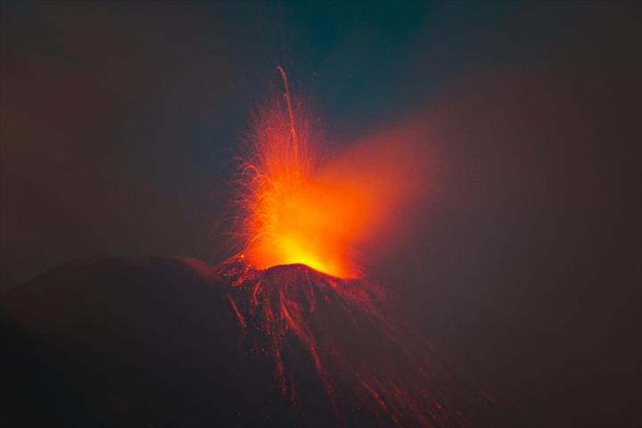 Volkanik püskürmelerin bazıları neden daha patlayıcı?