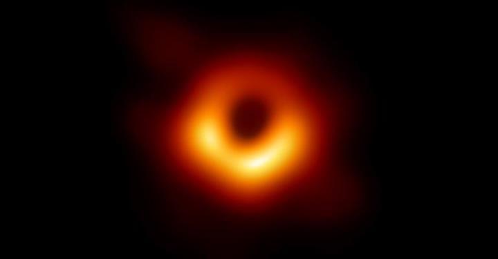 Manhattan büyüklüğünde kara delik keşfedildi