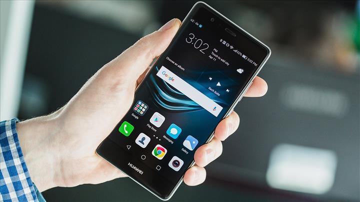 Huawei, Çin akıllı telefon pazarına yüzde 42 ile liderlik ediyor