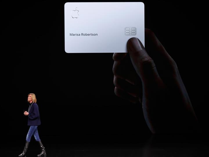 Kadınlara daha az limit verildiği gerekçesiyle Apple Card hakkında soruşturma başlatıldı