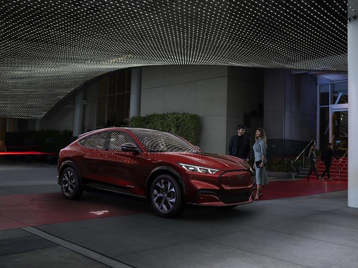 Ford Mustang Mach-E tanıtıldı: İşte tüm özellikleri ve fiyatı