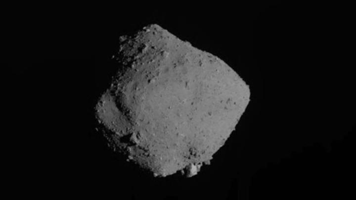 Ryugu asteroitine iniş yapan Hayabusa 2, Dünya'ya geri dönüyor