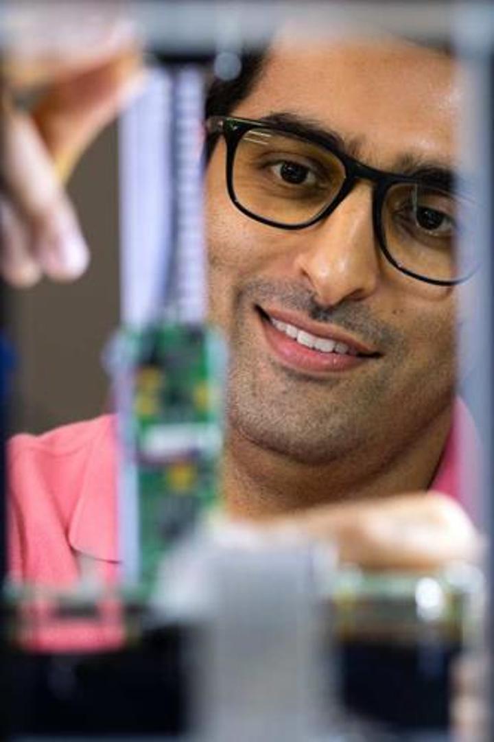 Rice Üniversitesi'nde görevli bilim insanları kurşungeçirmez polimer bloklar üretti