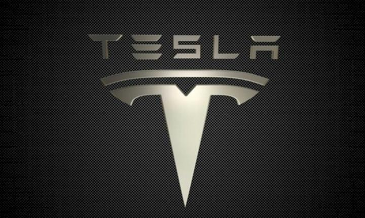 Tesla, araç camlarını lazerle temizleyen bir teknoloji için patent başvurusunda bulundu