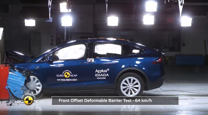 Tesla Model X ve Porsche Taycan'ın da dahil olduğu yeni çarpışma testi sonuçları açıklandı