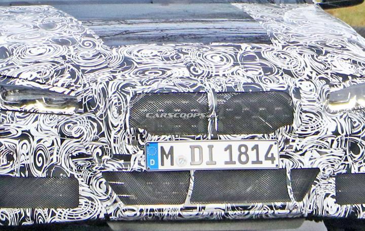 Yeni BMW 4 Serisi Coupe'nin kamuflajlı fotoğrafları devasa böbrek ızgarayı doğruluyor