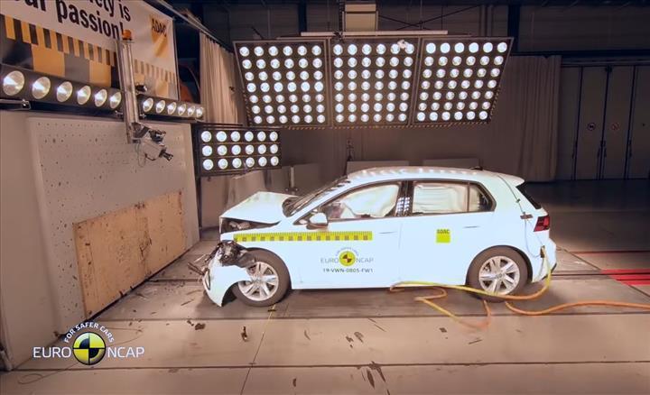 2020 Volkswagen Golf'ün de dahil olduğu yeni çarpışma testi sonuçları açıklandı