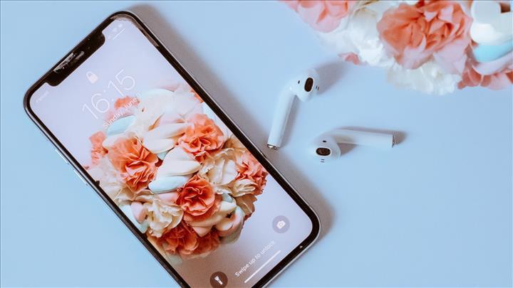 Apple, iki milyarıncı iPhone'u satmaya hazırlanıyor