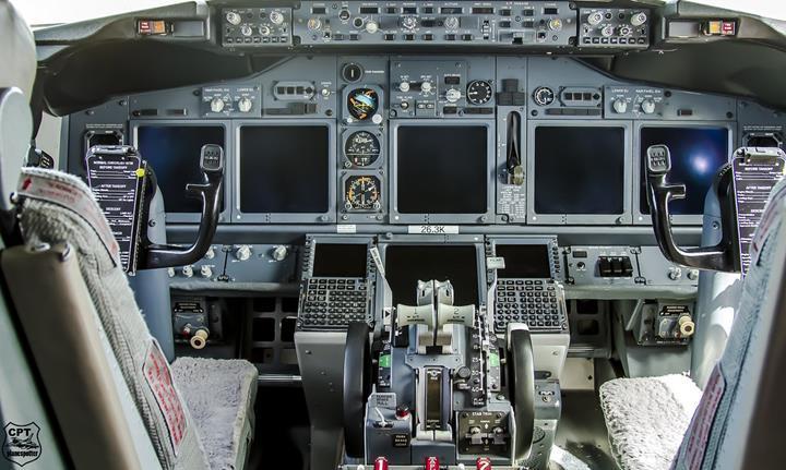 Boeing uçaklarda ortaya çıkan yazılım hatası, uçakların gösterge ekranlarını karartıyor