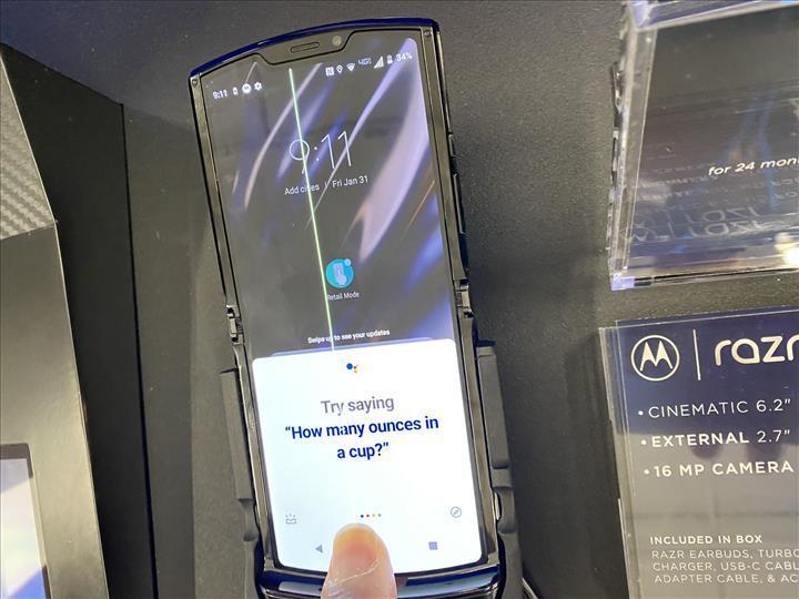 Katlanabilir Motorola Razr 2019'un sorunları ortaya çıkmaya başladı