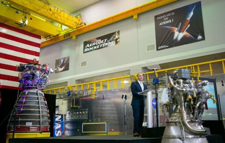 NASA, Ay'a insan göndermenin maliyetini açıkladı: 35 milyar dolar