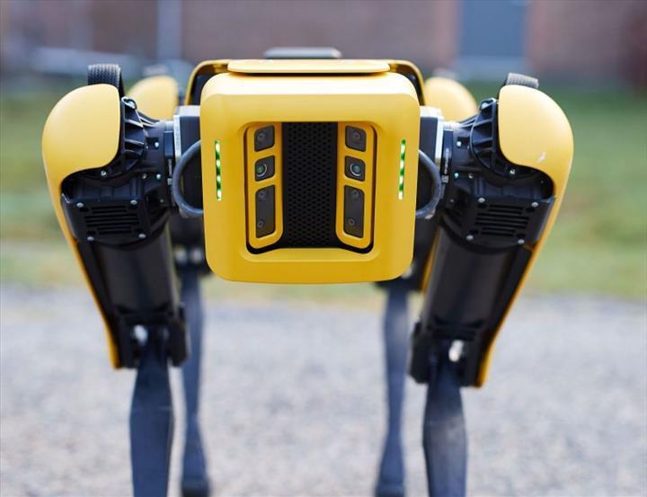 Dört bacaklı robot Spot, yakında petrol rafinerilerinde göreve başlayacak