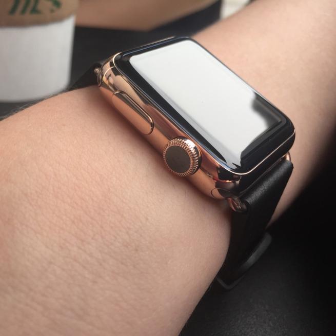 Apple Watch'u altın kaplamaya dönüştürdüler!
