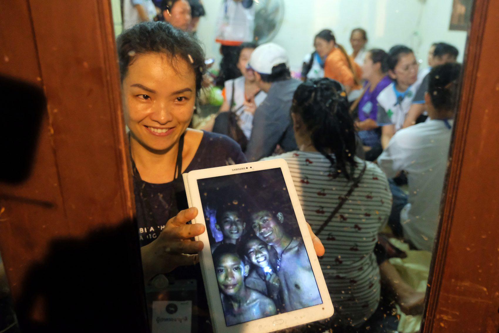 Tayland'da mağarada mahsur kalan çocukların hikayesi