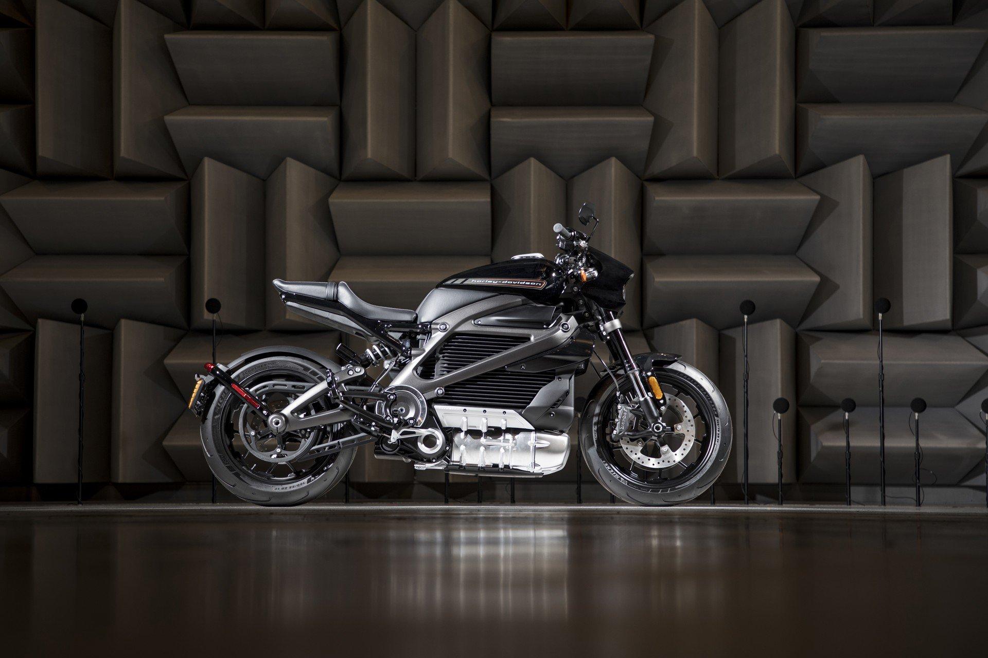Harley Davidson'un elektrikli motosikleti 30 bin dolara 177 km menzil sunacak